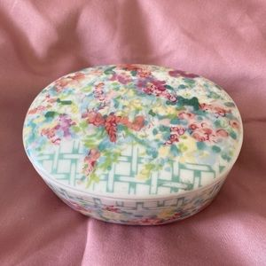 Vintage Porcelain Keepsake Box